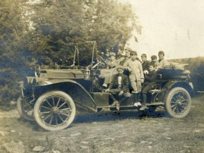 LDBC early 1900s', LDBC boys' in car.